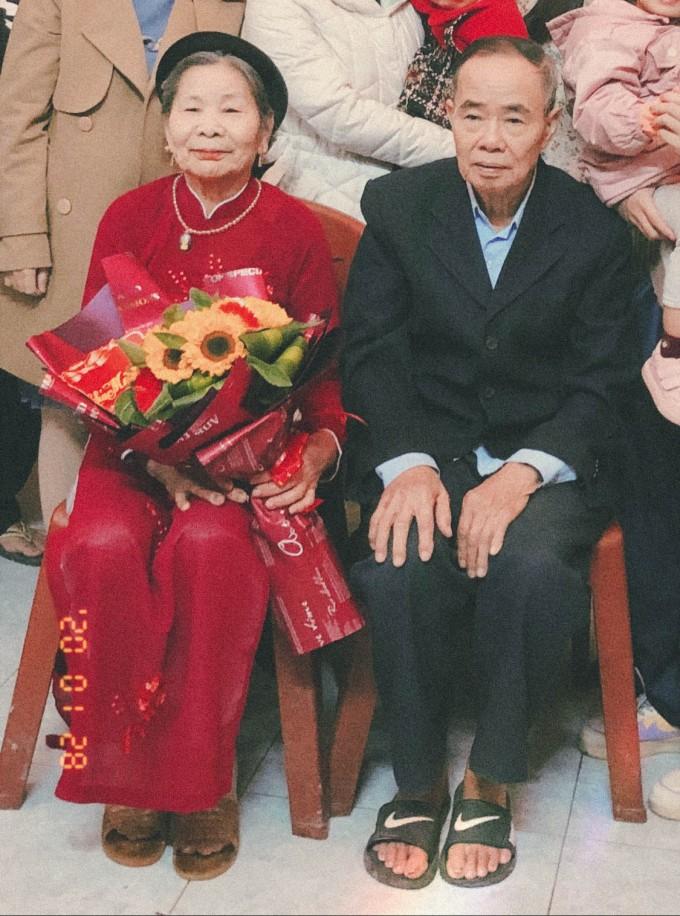 Grandparents on grandma's birthday | 2020